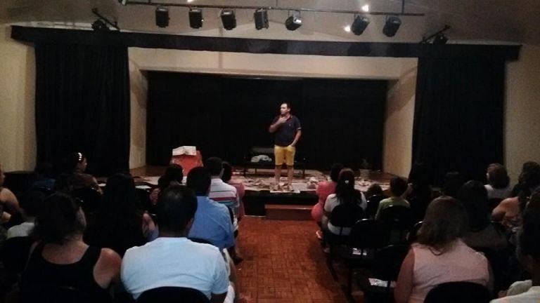 Peça teatral O Menino de Rua - ação social em prol do Fundo Social de Solidariedade de Cajuru