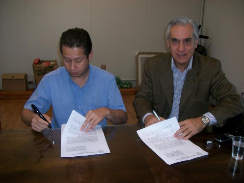 Assinatura do Convênio entre o PROE e a Prefeitura Municipal de Cajuru